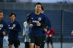 この日から代表に合流した吉田。ランニングなどで汗を流した。写真:山崎賢人(サッカーダイジェスト写真部)