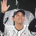小林誠司は正捕手に返り咲けるか(写真:アフロ)