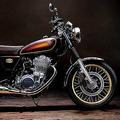 ヤマハのロングセラーバイク「SR400」が復活 11月に販売開始