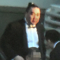ちょんまげにタキシード「日馬富士」隠遁生活を撮った!