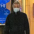 銀座のクラブ街を歩く松本元大臣(撮影・大橋和典)