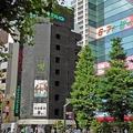 ツクモの旗艦店・TSUKUMO eX.秋葉原パソコン館。 この店舗は今後も営業を続けることになる。