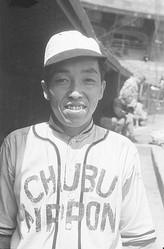 浜崎真二の弟の忠治も156cmのプロ野球選手だった(写真/共同通信社)