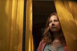 エイミー・アダムス主演、映画『ウーマン・イン・ザ・ウィンドウ』Netflixで5月14日(金)より独占配信