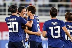 メンバー大幅変更の日本、武藤&塩谷のゴールで逆転勝利! 3戦全勝でGS首位通過