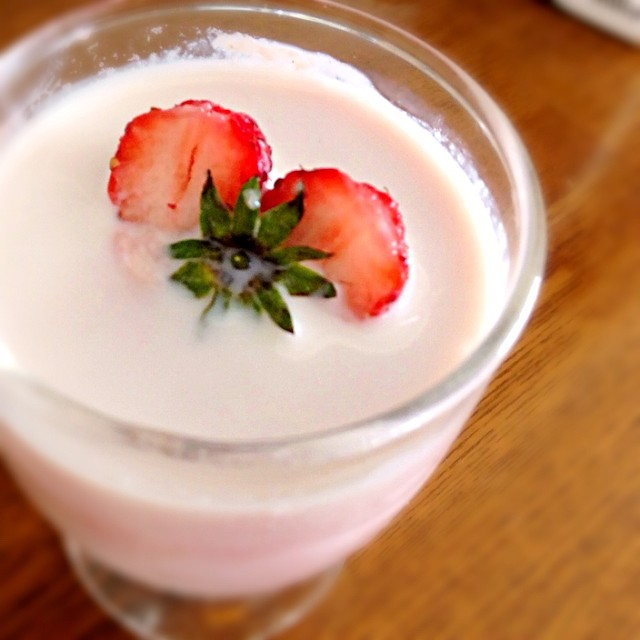牛乳 いちご ジャム