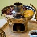 日本初上陸のオリジナル「スイーツ火鍋」が食べられる