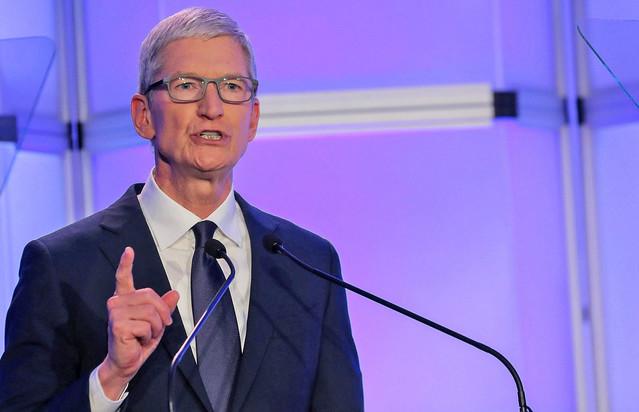 アップル、iPhoneを値下げへ 中国市場で