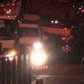 首都高で8台が絡む玉突き事故が発生し15人けが トラック運転手が脇見か