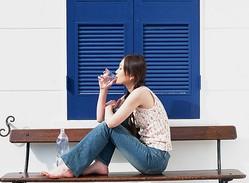 暑い夏は「ペットボトル症候群」に要注意。飲むなら、水やお茶がおすすめ!