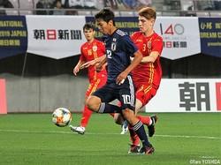 後半33分、U-16日本代表はワンツーで抜け出したFW千葉寛汰が同点ゴール