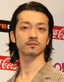 俳優でロックバンド「RIZE」に所属する金子ノブアキ