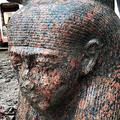 エジプト・ミトラヒナで発掘された古代エジプト国王ラムセス2世の胸像。考古省提供(2019年12月11日提供)。(c)AFP PHOTO / HO / EGYPTIAN MINISTRY OF ANTIQUITIES