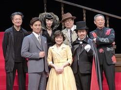 ミュージカル「怪人と探偵」の出演者ら。(前列右から)中川晃教、大原櫻子、加藤和樹、(後列右から)森雪之丞氏、六角精児、高橋由美子、白井晃