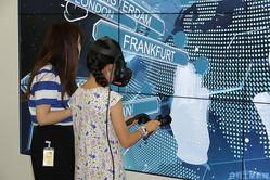 日本IBMのファミリー・デーで、ゲームをしながら楽しく学ぶ子どもたち(昨年)