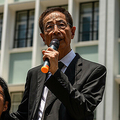 香港の人権派弁護士、黄国桐氏(左、2019年8月7日撮影)。(c)Philip FONG / AFP