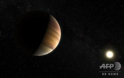 ディディエ・ケロー氏らが発見した系外惑星「ペガスス座51番星b」の想像図。欧州南天天文台提供(2015年4月20日提供)。(c)AFP=時事/AFPBB News