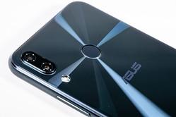 コスパ最高のハイエンドスマホ「ZenFone 5Z」 お買い得モンスターに残る物足りなさとは?