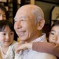 一億総活躍社会と言葉が踊る裏側には、下流老人という陰うつな言葉もあります。健全で明るい老後を送るためには、もう小手先のきれいごとではいけません。本質的な3大対策を、具体例とともにご案内します。