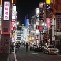 小池知事の会見後4月2日の歌舞伎町。通りを歩く人の姿はまったくなかった