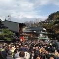 観光客急増の飛騨高山から嘆きの声 宿泊施設は値引き合戦
