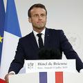 フランス国防省で演説するエマニュエル・マクロン大統領(2019年7月13日撮影)。(c)Kamil Zihnioglu / POOL / AFP