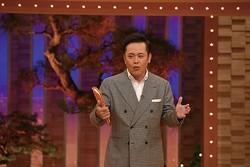 愛あるムチャ振りに定評!有田哲平。「有田ジェネレーション」(TBS系)でMCを担当するほか、「しゃべくり007」(日本テレビ系)などに出演/(C)NHK