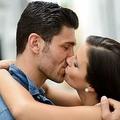 なぜ人はキスをするのが好きなのか?ストレスやコレステロール値も改善