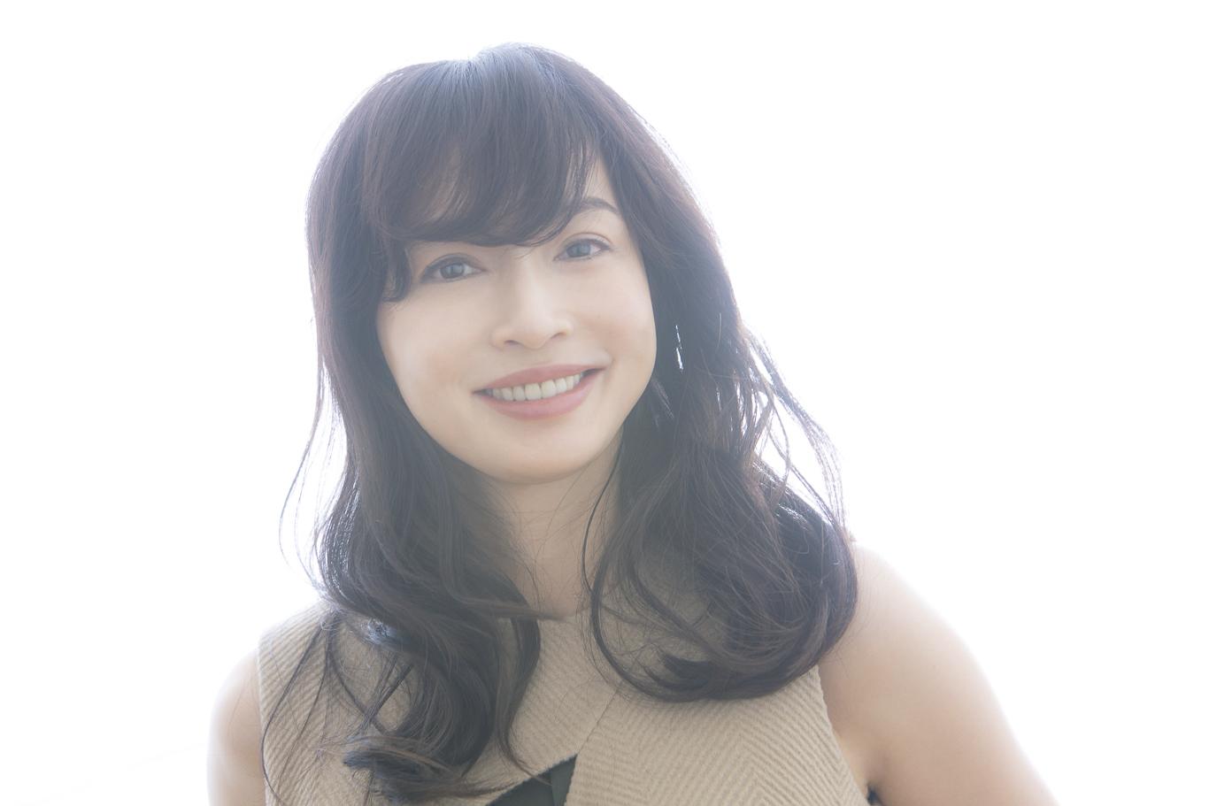 子ども優先? 自分優先? 女優でもあり母でもある、長谷川京子が選んだ「3つ目の道」