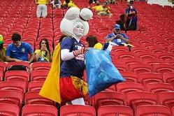 FIFAファン賞に日本のサポーターがノミネート! W杯でのゴミ拾いが評価