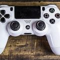 公式はバツ PlayStationのコントローラー「×」ボタンの呼び方論争が決着