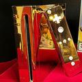 エリザベス女王に献上するため作られた純金製Wii オークションに出品