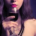 初飲み会で「わ、コイツどんだけ酒好きなんだよ!」と男子をドン引きさせる振る舞い9パターン