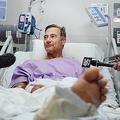豪ブリスベンの病院でインタビューを受けるニール・パーカーさん(2019年9月18日提供)。(c)AFP=時事/AFPBB News
