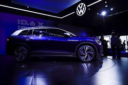 中国自動車市場の回復に暗雲、半導体の不足で