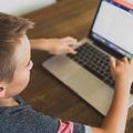 政府が支給した教育用ノートPCからマルウェアが見つかる イギリス