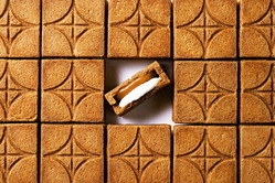 プレスバターサンド新フレーバー「バターサンド〈白〉」サクサククッキー×ホワイトチョコキャラメル