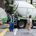 実は「交通整理」の権限がない?8割が70代の交通誘導員の実態