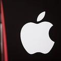 「iPhoneX」は深刻な品薄状態が続くと予測 新色の発売は遅れ?