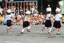 中国メディアは「日本の幼稚園は子どもを虐待している? 読み終わったらうらやましくなる」と題する記事を掲載し、日本のある幼稚園の取り組みを説明している。(イメージ写真提供:123RF)