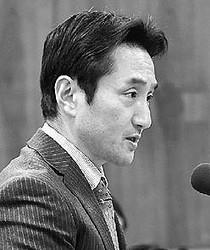(写真)質問する藤野保史議員=8日、衆院法務委
