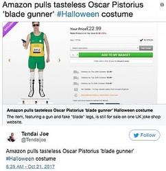 Amazonから削除されたハロウィンコスチューム(画像は『Tendai Joe 2017年10月21日付Twitter「Amazon pulls tasteless Oscar Pistorius 'blade gunner'」』のスクリーンショット)