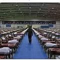 病床2000のイランの野外病院(画像は『The Sun 2020年3月26日付「PREPARING FOR CHAOS World prepares for coronavirus floodgates to open as massive field hospitals spring up all over the planet」(Credit: Alamy Live News)』のスクリーンショット)