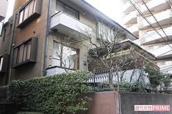渋谷区神泉町にある石原容疑者の自宅には複数の防犯カメラと鉄壁のガードが築かれている。また、犬のフンの取り締まりにもうるさかった