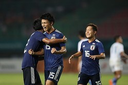 上田(15番)のゴールでUAEを下す。日本は韓国との決勝戦に臨む。写真:徳丸篤史
