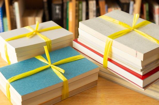 「いつから古本屋さんに?」と夫から嫌味を言われても、本が捨てられません【お悩み相談】