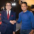 トヨタ自動車・吉田守孝副社長(左)を小沢コージが緊急直撃!