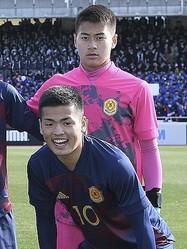 来季横浜F・マリノスへの入団が内定している田川(後列)と樺山(前列)。写真:浦 正弘