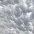雹や突風などの前兆とされる「乳房雲」東京や埼玉の一部で出現