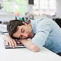 疲労回復に大きな効果を発揮?社会人におすすめの「30分未満の昼寝」